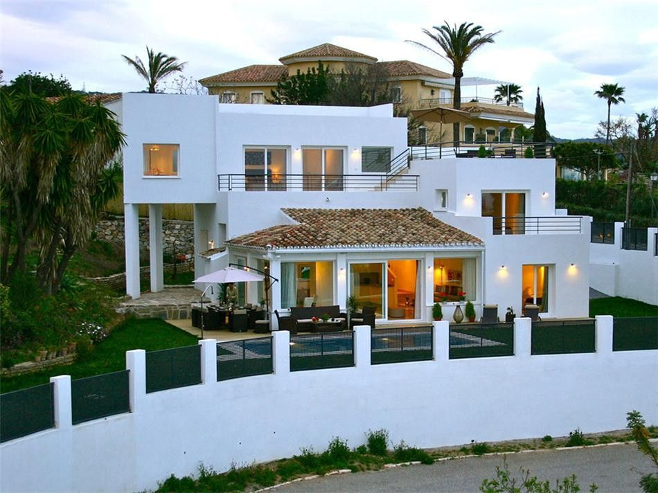 A well-established residential area on the east side of Marbella