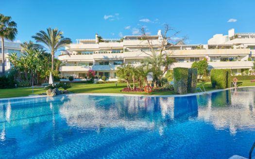 ARFA1225 - Luxury apartment for sale in Los Grandos Golf in Nueva Andalucia