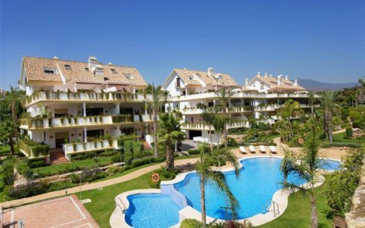 ARFA695 - Penthouse for sale in Lomas del Rey in Marbella