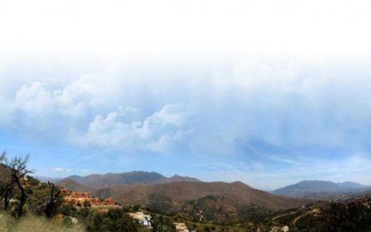 Beautiful Plot for sale for villa in La Mairena in Marbella