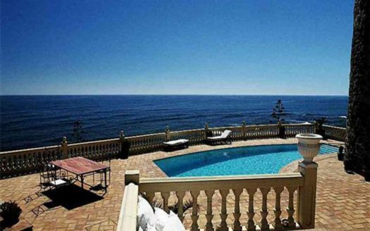 ARFV1312 - Villa in frontline beach for sale in Calahonda in Mijas Costa