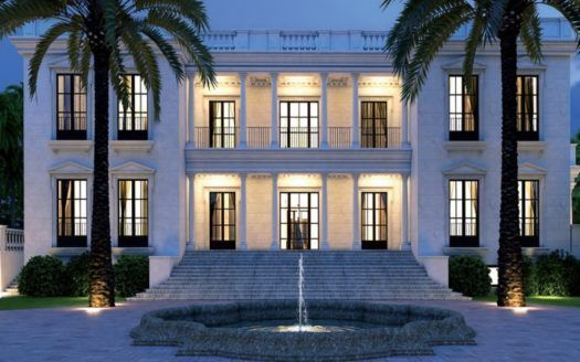 ARFV1711 - Representative estate directly on the beach for sale in Guadalmina Baja in Marbella