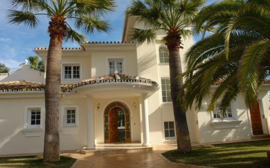 ARFV1757 - Exclusive villa for sale in Elviria in Marbella