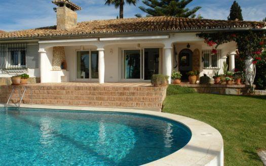 ARFV1817 - Andalusian style villa with sea views for sale in Elviria in Marbella