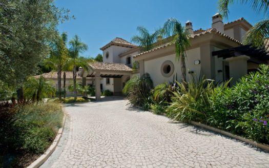 ARFV1941 - Stately villa for sale with panoramic views in La Zagaleta in Benahavis