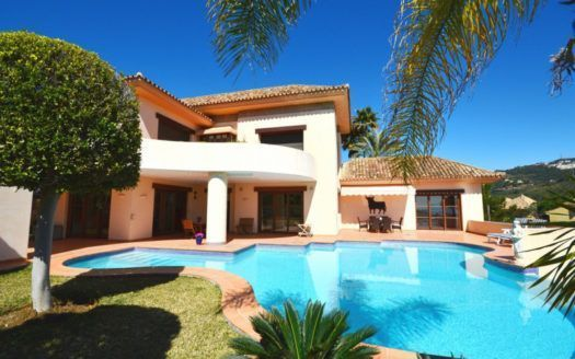 ARFV1960 - Luxury villa for sale in Rio Real in Marbella with sea views