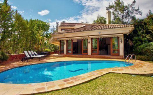 ARFV1968 - Villa for sale in Herrojo Alta in Benahavis