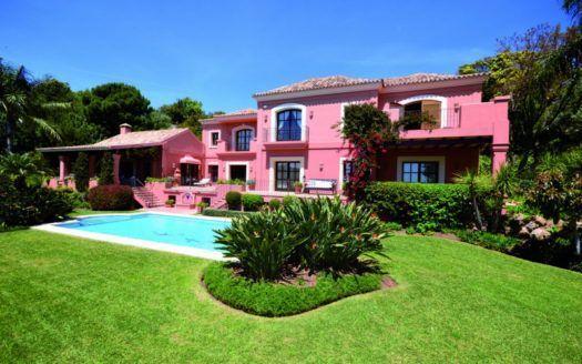 ARFV1979 - Modern villa for sale in La Zagaleta in Benahavis