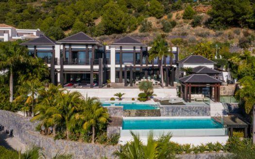 ARFV1990-238 - Stunning villa for sale in Cascada de Camojan in Marbella