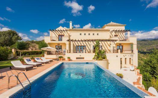ARFV2014-178 - Classical style Villa for sale in Monte Mayor in Benahavis