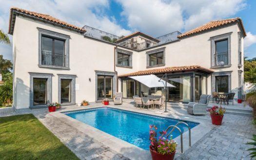 ARFV2034 - Elegant Villa in Nueva Andalucia in Marbella for sale