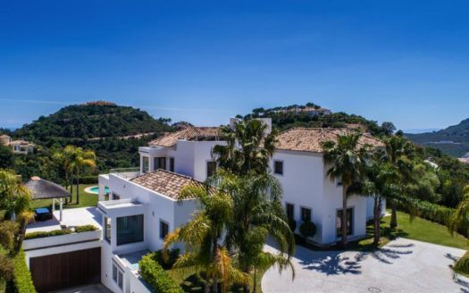 ARFV2038 - Contemporary villa for sale with excellent south orientation in La Zagaleta in Benahavis