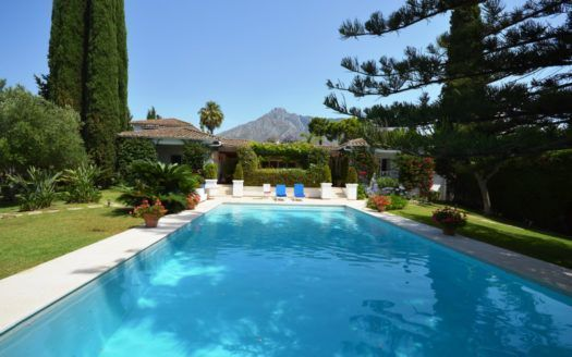 ARFV2041 - Andalusian villa for sale on the Golden Mile in Marbella