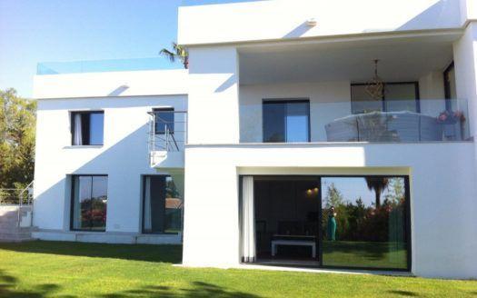 ARFV2073 - Turnkey modern villa in Nueva Andalucia in Marbella for sale