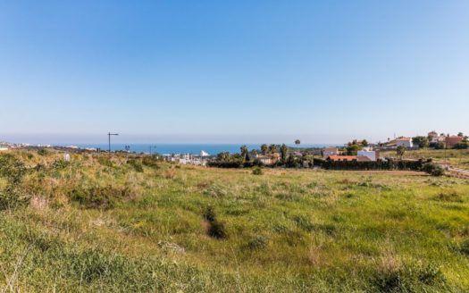 Build your dream villa in Valle Romano Golf in Estepona with panoramic views of the Mediterranean Sea