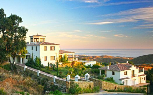 ARFV1793-142 - Charming Property with fascinating sea views