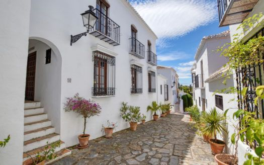 ARFTH156 - Townhouse for sale in Lomas del Marbella Club in Marbella on the Golden Mile