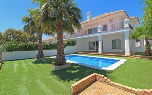 ARFV2095 - Villa for sale in La Mairena in Ojen