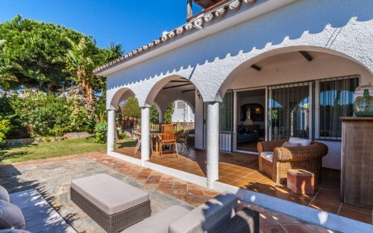 ARFV2096 - Villa for sale in Los Naranjos Hill Club in Nueva Andalucia