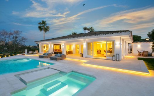 ARFV2065 -  Villa Frontlinie Golf for sale in Las Brisas in Marbella