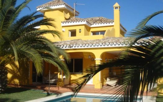 ARFV1296 - Marvellous villa for sale in Los Naranjos Hill Club in Nueva Andalucia