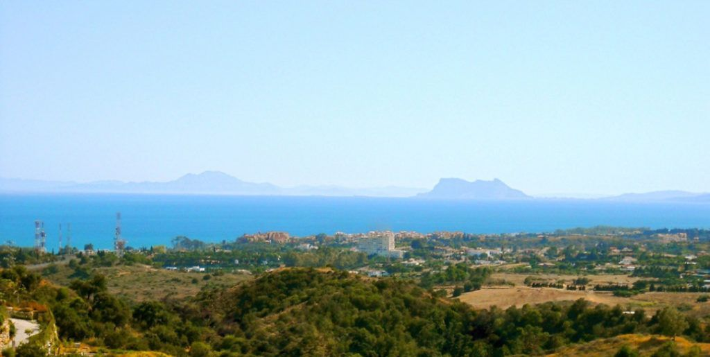 Fantastic plots for sale in La Panera in Estepona with spectacular panoramic views