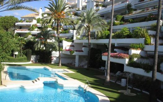 ARFA1085 - Beautiful duplex apartment for sale in Rio Real in Marbella