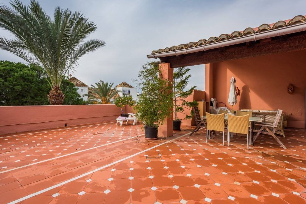 ARFA1212 - Exclusive penthouse for sale in beach location in Elviria in Marbella