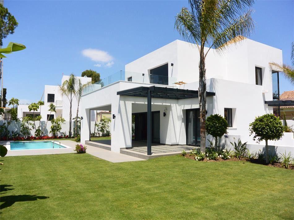ARFV1630 - Modern Villas for sale in El Paraiso Barronal in Estepona