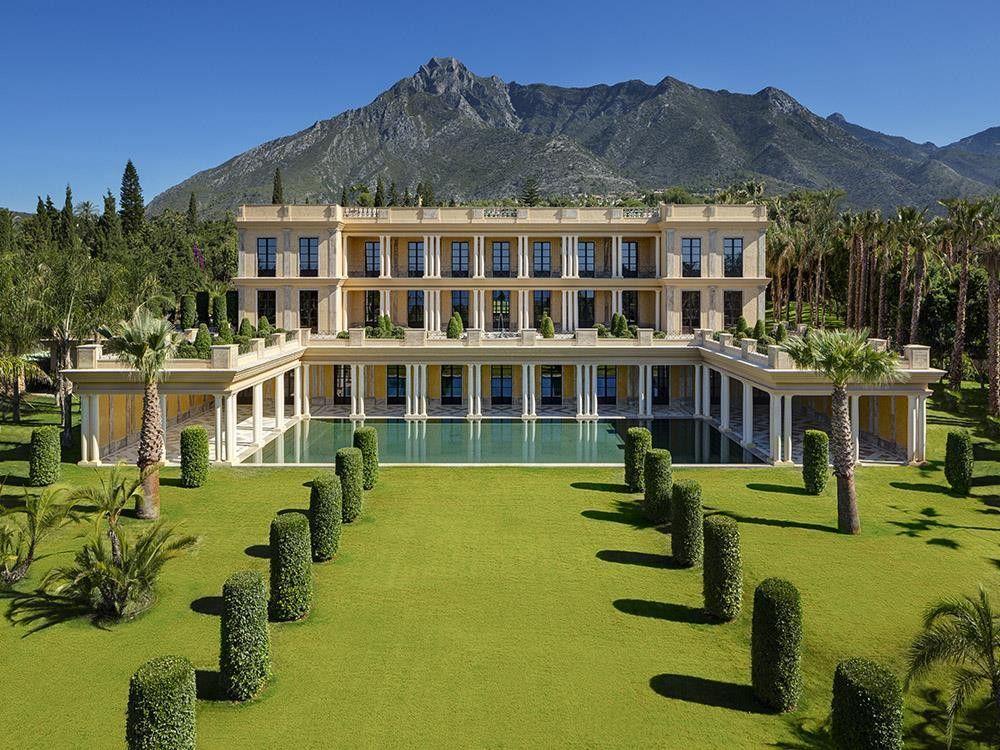 ARFV1713 - Palatial villa for sale in Nagueles in Marbella