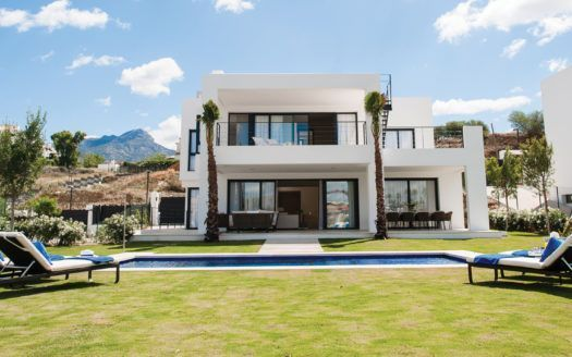 ARFV2062 - Contemporary villas for sale in Nueva Andalucia in Marbella