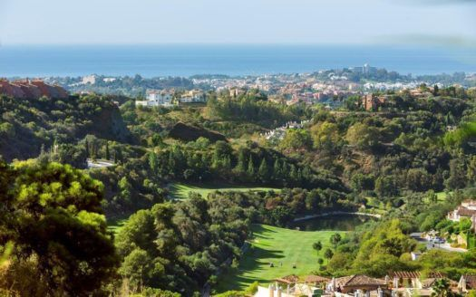 ARFA1113-1 - Magnificent apartments for sale in El Real de Los Halcones in Benahavis