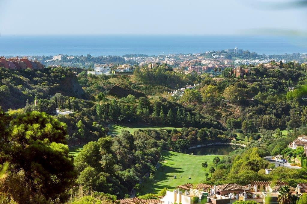 ARFA1113-2 - Magnificent duplex penthouses for sale in El Real de Los Halcones in Benahavis