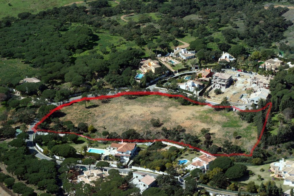 5 plots in Hacienda Las Chapas in Marbella with sea views