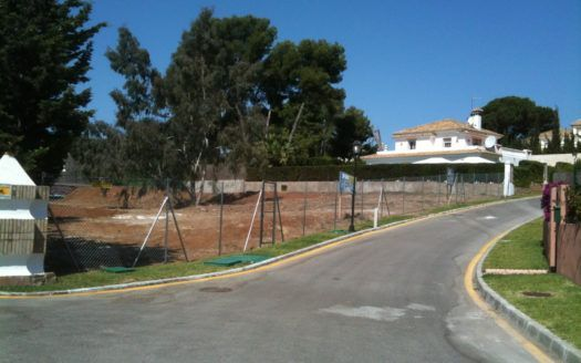 Very beautiful plot for sale in top location on the beach side in La Reserva de Los Monteros in Marbella