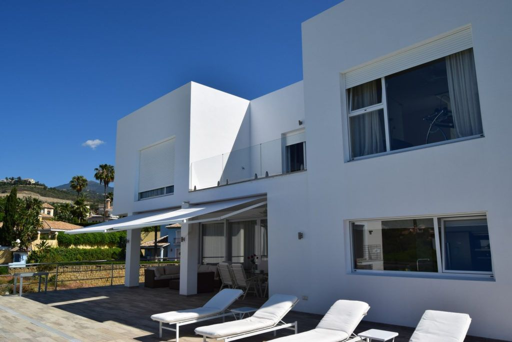 ARFV1840 - Modern new villa for sale in El Herrojo La Quinta in Benahavis
