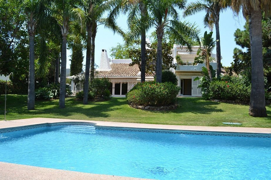 ARFV1839 - Fantastic villa for sale in Rio Real in Marbella