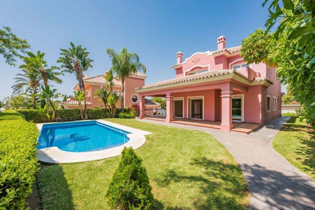 ARFV1847 - New villa for sale in Guadalmina Alta in San Pedro de Alcantara