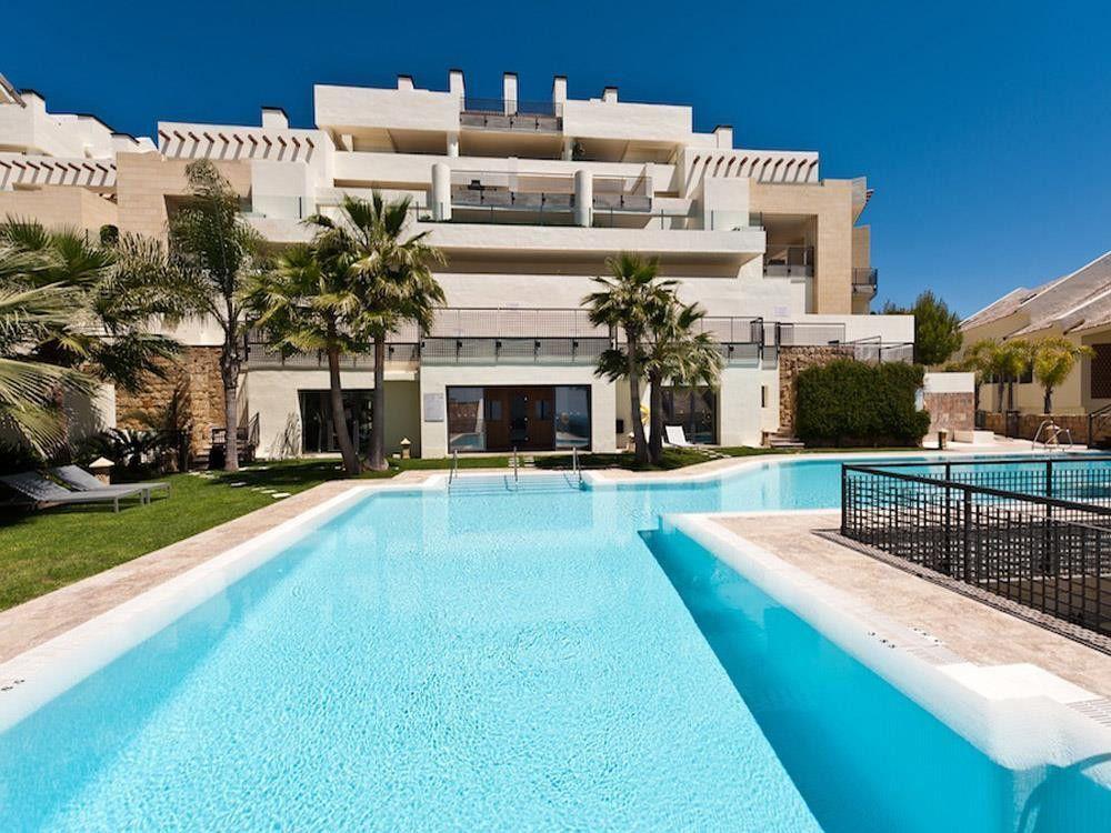 ARFA1196-183 - Penthouse for sale in Los Monteros Alto in Marbella
