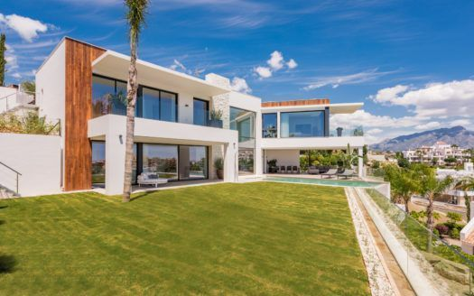 ARFV1983 - Modern luxury villa for sale in La Alqueria in Benahavis