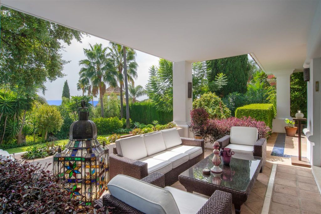ARFV1909 - Stylish villa in Altos Reales in Sierra Blanca on the Golden Mile of Marbella