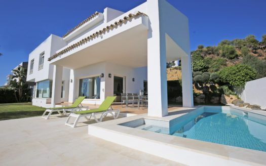 ARFV2114 - Modern Villa for sale in La Alqueria in Benahavis