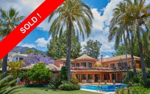 ARFV1882 - Elegant villa for sale in Nagueles in Marbella