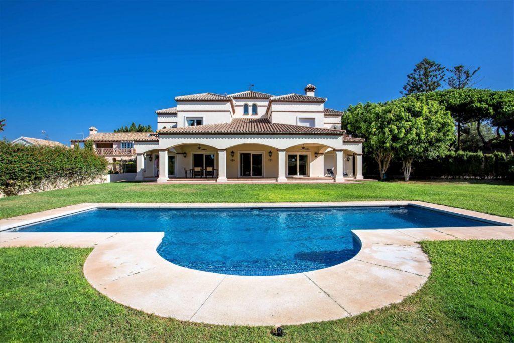 ARFV2012 - Beach villa for sale in Artola in Marbella-East