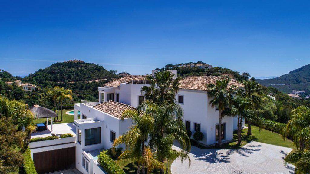 ARFV2038 - Contemporary villa for sale with excellent south orientation in La Zagaleta in Benahavis