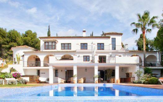 ARFV1949 - Fantastic villa for sale on the Golden Mile in Marbella