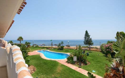 ARFA1366-306 - Renovated beach apartment near Calahonda for sale