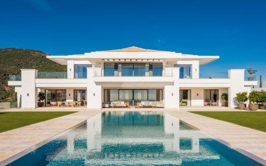 ARFV2098 - Villa to the highest standards for sale in La Zagaleta in Benahavis