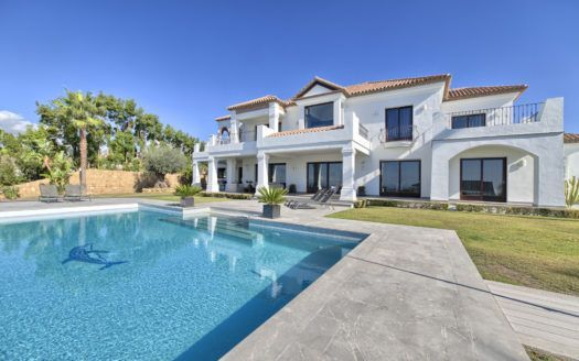 ARFV1160-365 - Fantastic modern villa for sale in Los Flamingos Golf in Benahavis with panoramic views