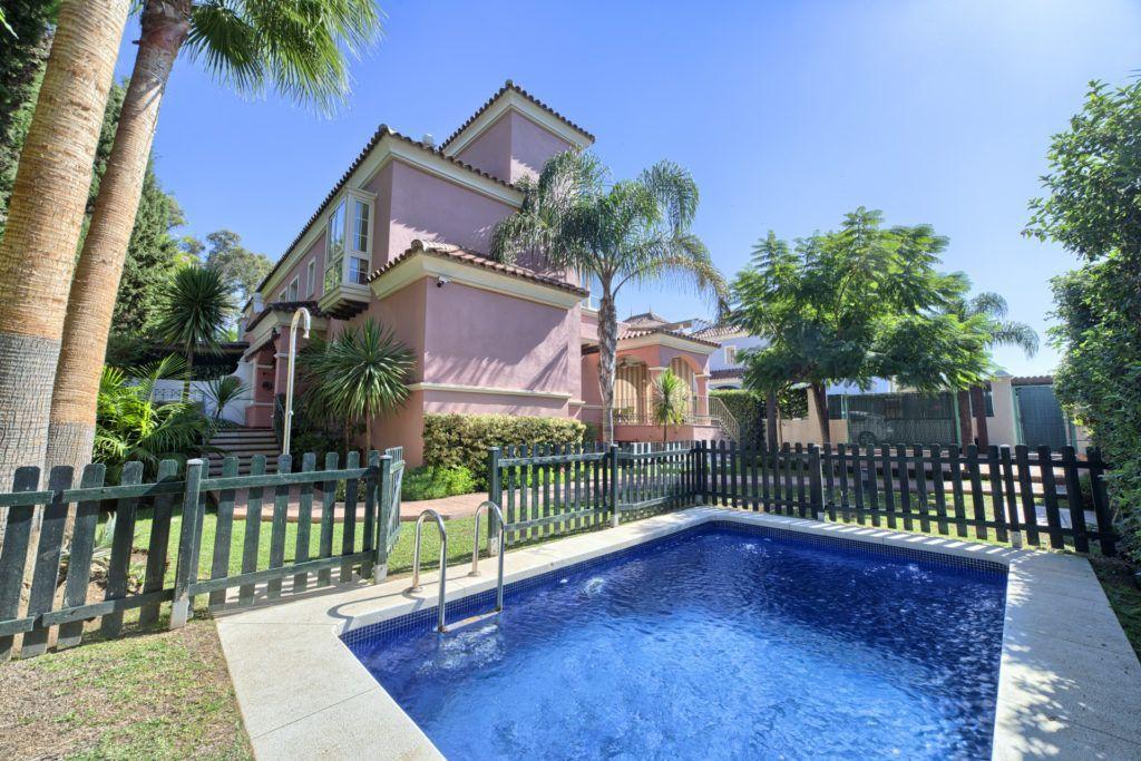 ARFV1740-555 - Exclusive villa for sale in Lorea Playa in Puerto Banus